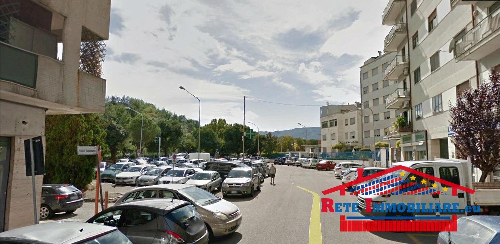 Cosenza 39 39 locale commerciale in affitto 39 39 zona clinica for Affitto locale c1