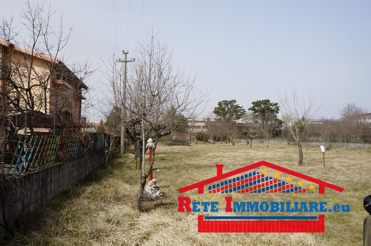 Terreno edificabile in vendita zona piano lago for Lotti in piano casa fronte lago