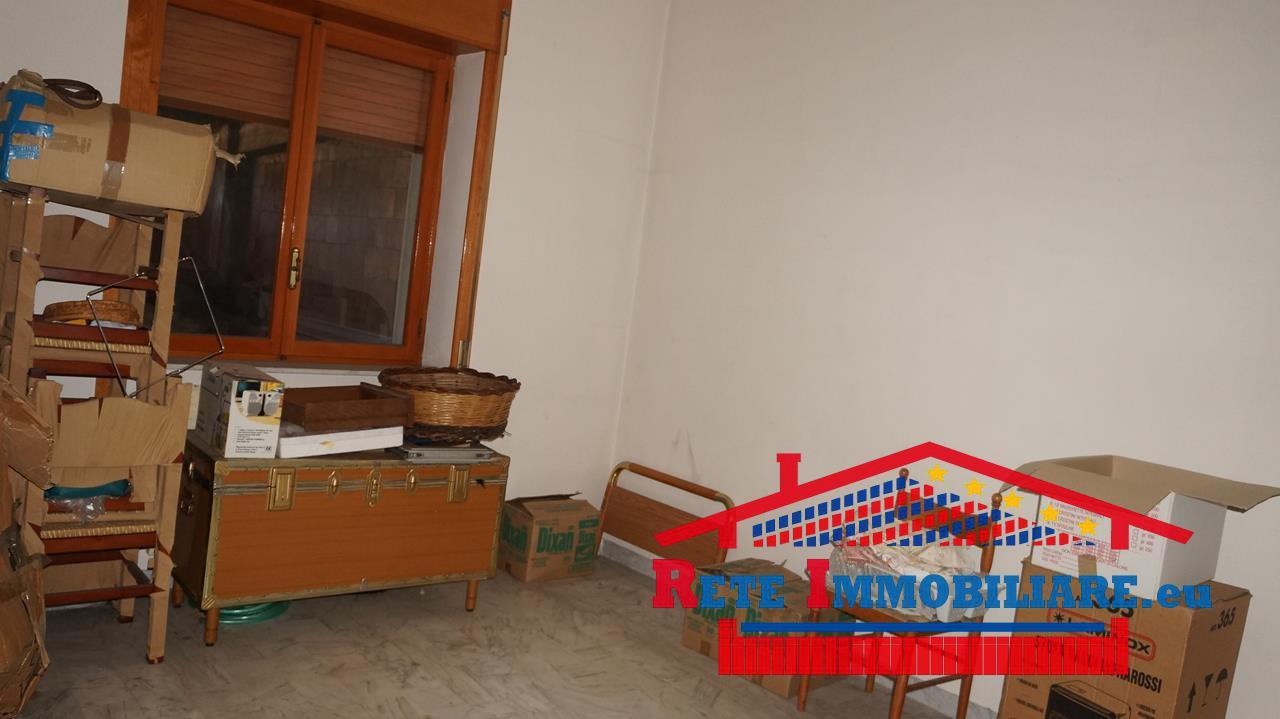Piano lago vendesi appartamento for Lotti in piano casa fronte lago