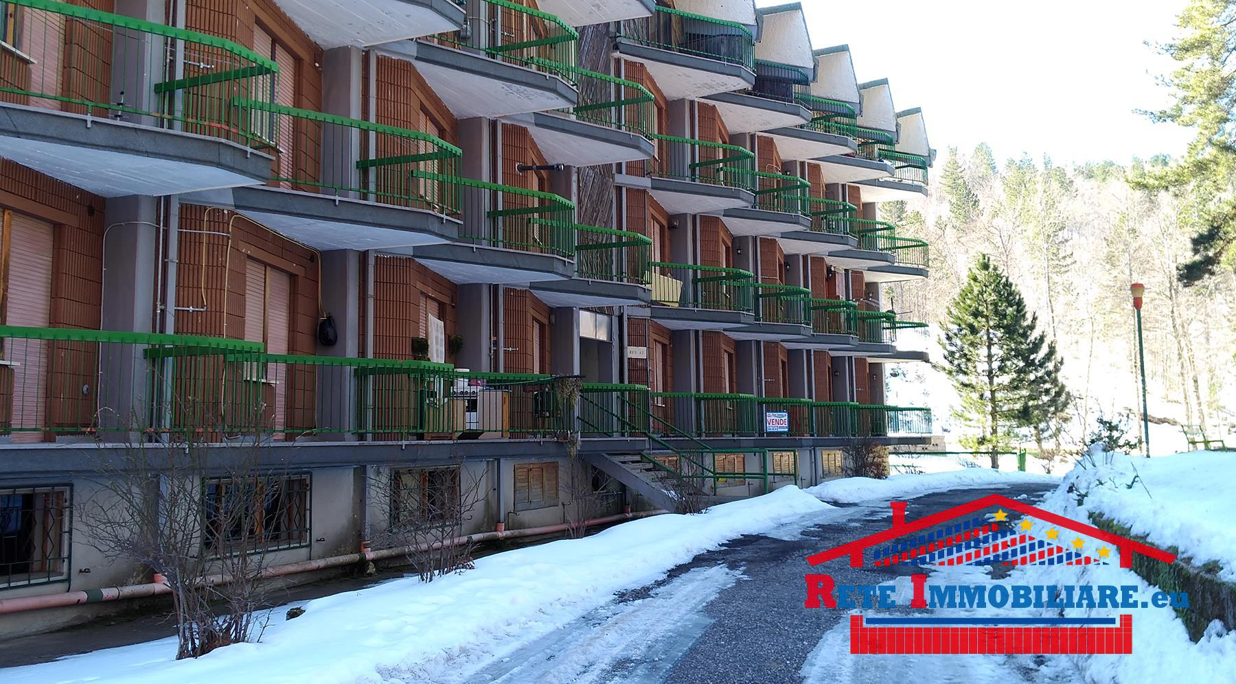 Vendesi appartamento a villaggio palumbo for Villaggio palumbo